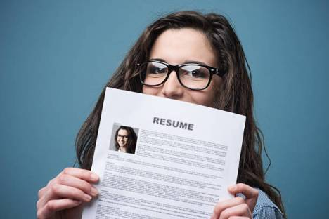 What Kind of Photo You Should Put On Your CV?}